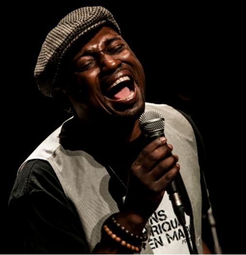 Freddy MASSAMBA,en concert au Gabon lors du Festival FRO 2015..
