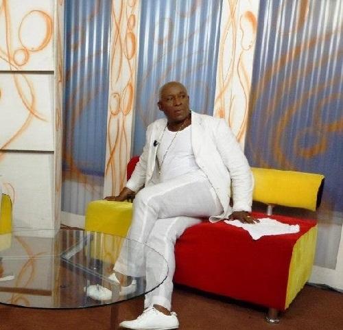 HOMMAGES à PARIS des ARTISTES CAMEROUNAIS à EBENY DONALD WESLEY