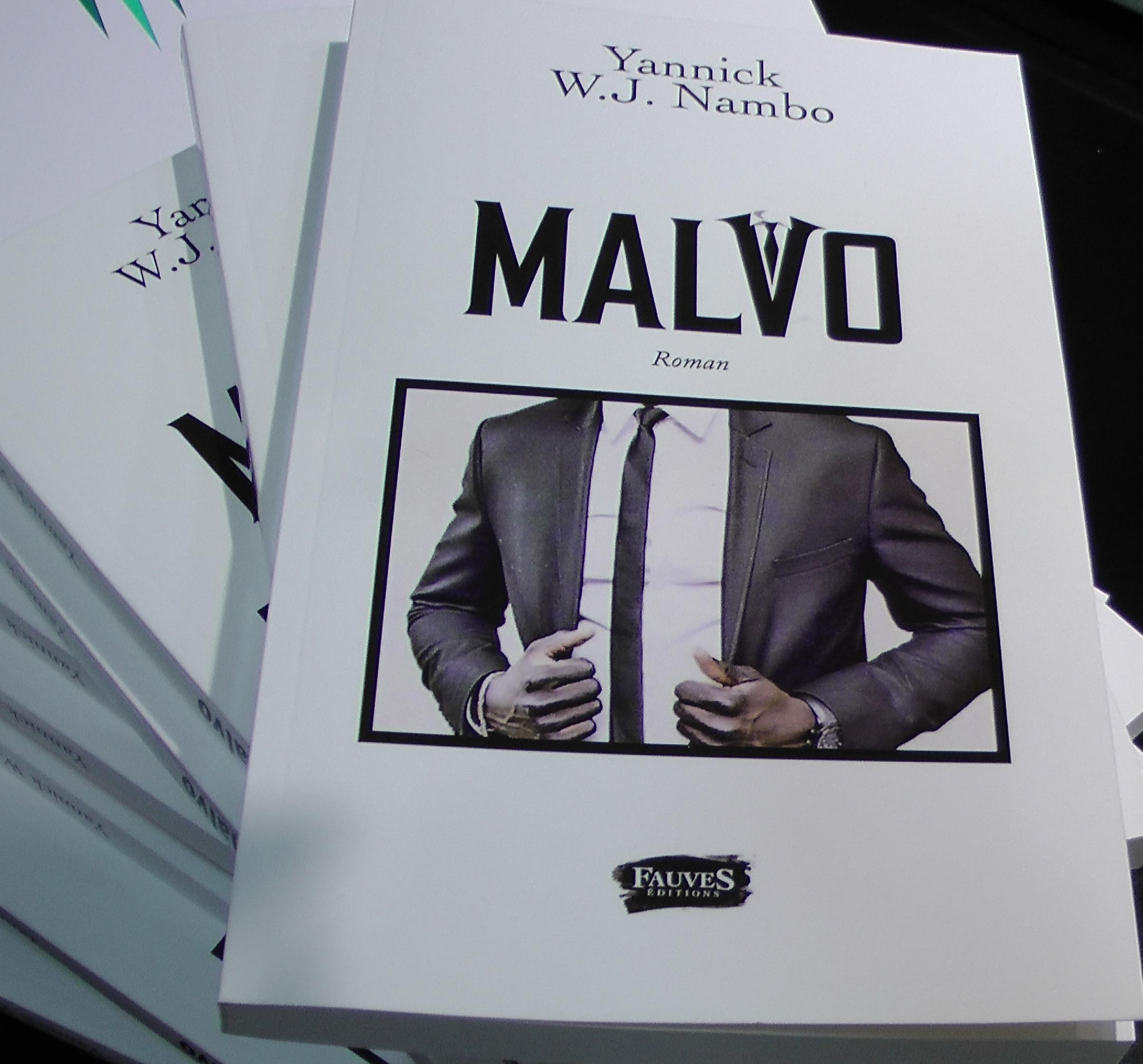 LITTÉRATURE: Yannick W J NAMBO dédicace «MALVO» son 1er Roman à Paris 2/2 (JMTV+)