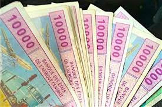 La France accusée «d'appauvrir l'Afrique» : la controverse n'en finit pas autour du franc CFA