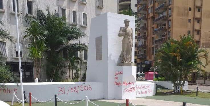 PROFANATION DU MONUMENT DU CAPITAINE CHARLES NTCHORÉRÉ à LIBREVILLE