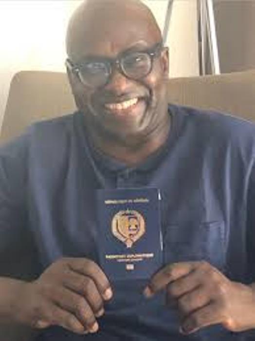 Sénégal/ Cameroun : Macky Sall cogne violemment Paul Biya
