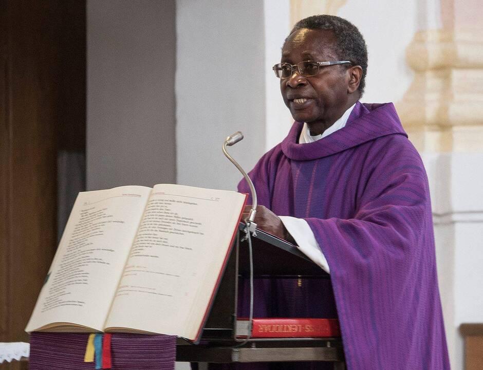 Victime de racisme, un prêtre noir quitte sa paroisse en Allemagne