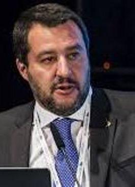 «La France prive l'Afrique de sa richesse» : Salvini attaque à son tour la France